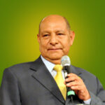 pastor_Alejandro_Bullon